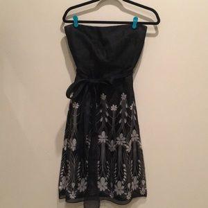 Kay Unger Silk strapless dress black/grey size 4